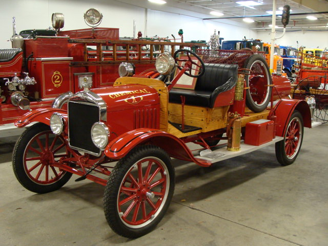 1923-ford-model-t-american-la-france-fire-engine