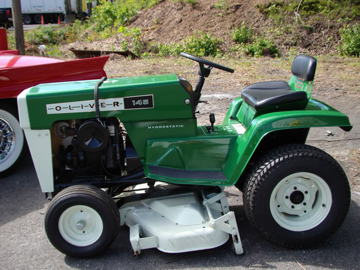 1972-oliver-145-lawn-mower-tractor-142-2